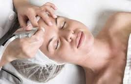 FAQ's About Diamond Tipped Microdermabrasion By Beauty Salon Taringa - Call Us On 07 3871 0477